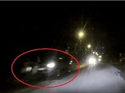 Clip: Mitsubishi Triton đâm người trong đêm rồi bỏ chạy