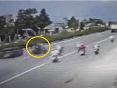 Clip: Xe máy đi ngược chiều gây tai nạn thảm khốc tại Bình Dương