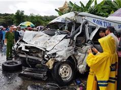 CLIP HOT NGÀY 3/7: Tai nạn kinh hoàng khiến 2 người chết ở Kon Tum, chó đại chiến với trăn