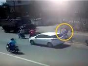 Clip: Hai người đàn ông tử nạn vì... đi tắt vượt qua dải phân cách