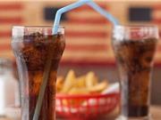 Đồ uống có ga gây hại nghiêm trọng cho sức khỏe
