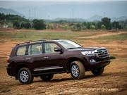 """XE """"HOT"""" NGÀY 25/7: Toyota Land Cruiser giảm giá 130 triệu, những ôtô giữ giá nhất trên thị trường năm 2017"""