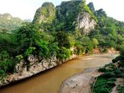 Vẻ bình yên của dòng sông đẹp bậc nhất Bắc Trung Bộ