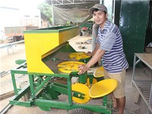 Đắk Lắk: Kỹ sư bỏ phố về quê chế tạo máy nông nghiệp