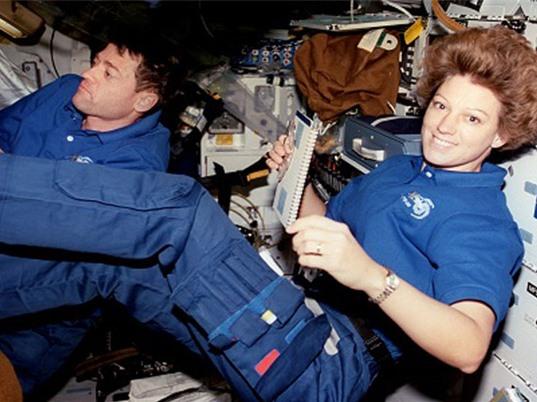 Vì sao NASA từng quay lưng với phi hành gia nữ?