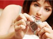 Sử dụng bao cao su thế nào để tăng cảm xúc 'yêu'