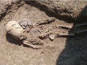 Phát hiện hài cốt cổ xưa của bé trai có hộp sọ 'ngoài hành tinh'