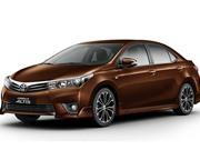 """XE """"HOT"""" NGÀY 4/8: Toyota Corolla Altis giảm giá 115 triệu đồng; bảng giá xe Piaggio, Vespa tháng 8"""