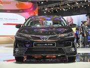 Toyota Corolla Altis 2018 ra mắt khách hàng Việt