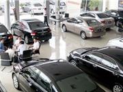 Dân buôn ôtô ở Việt Nam phá sản vì giá xe giảm mạnh