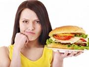 """Điểm danh 5 thói quen ăn uống """"rước bệnh"""" cho dạ dày"""