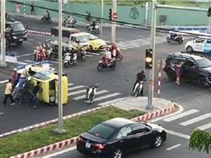 Clip: Toyota Fortuner tông Taxi nát bét tại Đà Nẵng