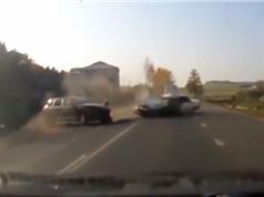 Clip: Những tai nạn ôtô thảm khốc trên mọi nẻo đường