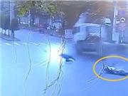 Container tông xe máy khiến 3 người tử vong tại TPHCM, Toyota Fortuner tông Taxi nát bét tại Đà Nẵng