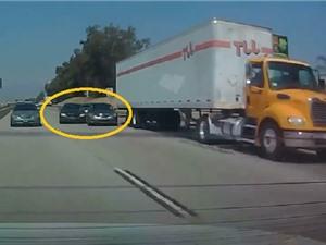 Clip: Infiniti G37 gây tai nạn cho chiếc BMW rồi bỏ chạy
