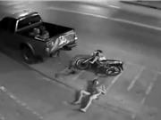 Clip: Hai thanh niên chết thảm vì phóng xe tốc độ kinh hoàng