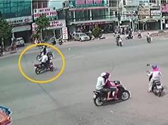 Clip: Nam thanh niên chạy xe máy gây tai nạn liên hoàn tại Đồng Nai