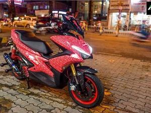 """Yamaha NVX khoác áo Louis Vuitton """"đỏ choé"""" tại Sài Gòn"""