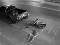 CLIP NHỮNG TAI NẠN GHÊ RỢN NHẤT TUẦN: Hai thanh niên chết thảm vì phóng xe quá nhanh, dừng xe trước đầu container người đàn ông bị kéo lê