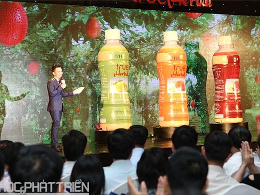 Tập đoàn TH ra mắt sản phẩm nước uống thảo dược TH True Herbal