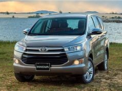 """Giá xe Toyota và Mazda tiếp tục giảm trong """"tháng cô hồn"""""""