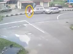 Clip: Cô gái bình thản qua đường, gây tai nạn liên hoàn