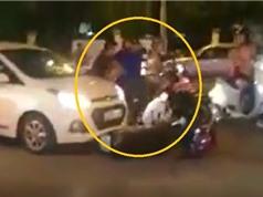 Clip: Phẫn nộ cảnh dùng chân đạp vào mặt phụ nữ sau tai nạn giao thông