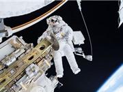 Hai nhà du hành vũ trụ đi bộ 7 giờ rưỡi trong không gian