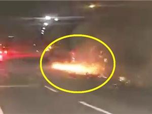 Clip: Tài xế phóng nhanh, Mercedes-Benz A45 AMG gặp tai nạn thảm khốc
