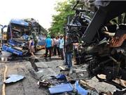 CLIP HOT NGÀY 31/8: Xe khách gây tai nạn kinh hoàng ở Quảng Ngãi, Audi A6 hất 2 người lên nóc capô
