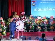 Phó Thủ tướng Vương Đình Huệ trao thưởng cho 5 học sinh xuất sắc