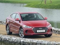 Bảng giá xe Hyundai tháng 9/2017: SantaFe và Elantra giảm giá mạnh