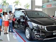 Các hãng đua nhau giảm giá, thị trường ôtô Việt vẫn bết bát