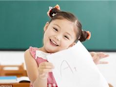 Trẻ được khen thông minh dễ gian lận khi đi học