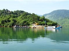 Cận cảnh hồ nước nhân tạo đẹp bậc nhất xứ Huế