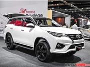Toyota Fortuner bản thể thao giá 1 tỷ đồng