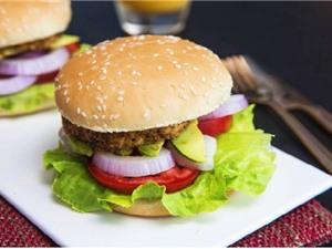 Clip: Tự làm hamburger cực dễ lại ngon như nhà hàng