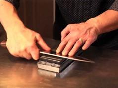 Clip: Kỹ thuật mài dao siêu bén ngay tại nhà