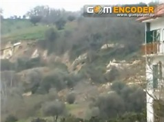 Clip: Sạt cả quả đồi kinh hoàng ở Maierato, Italy