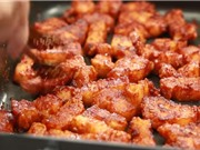 Clip: Cách làm món thịt ba chỉ nướng sốt tỏi ớt ngon như người Hàn Quốc
