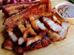 Clip: Học cách làm món thịt heo chiên nước mắm kiểu Thái
