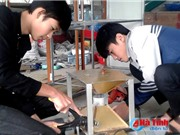 2 học sinh Hà Tĩnh sáng chế máy phân phối thức ăn cho thủy sản từ phế liệu