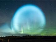 Quả cầu ánh sáng bao trùm bầu trời như tận thế ở Nga