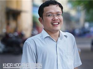 """TS Nguyễn Việt Hưng: Người """"leo núi"""" khoa học trên đôi nạng"""