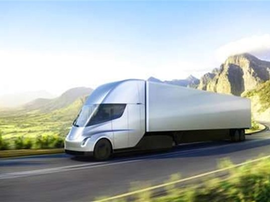 Tesla ra mắt xe tải cỡ lớn chạy điện
