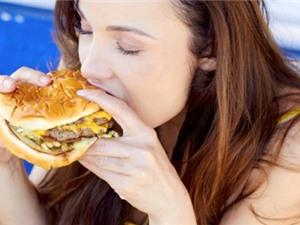 Từ khảo sát trên 1.000 người trong 5 năm: Miệng ăn nhanh, trái tim mau hỏng
