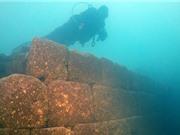 Lâu đài 3.000 năm tuổi dưới hồ nước ở Thổ Nhĩ Kỳ
