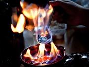 """Bí ẩn vùng đất nơi người dân uống """"lửa xanh"""" để xua tan tội lỗi"""