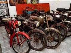 Cận cảnh kho báu xe máy cổ thời Pháp giữa lòng Hà Nội