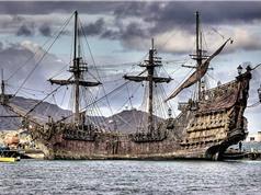 16 mảnh giấy bí ẩn tồn tại 300 năm dưới nước trong tàu của cướp biển Râu Đen